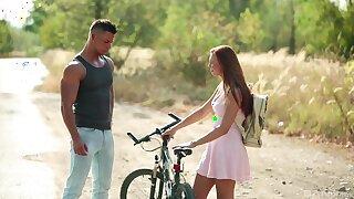 Young hottie Morgan Rodriguez meets a hospitable man in hammer away unprincipled